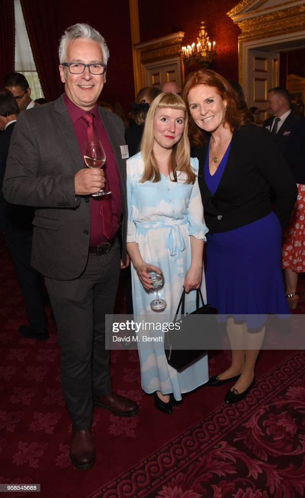 https://media.gettyimages.com/photos/john-dougherty-laura-hughes-and-sarah-ferguson-attend-the-oscars-book-picture-id958545688
