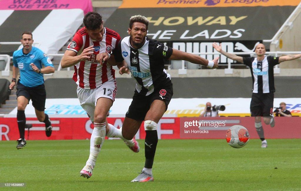 Newcastle United v Sheffield United - Premier League : News Photo