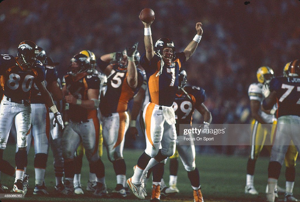 Super Bowl XXXII - Green Bay Packers v Denver Bronco : News Photo