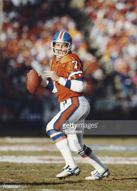 John Elway, Quarterback for the Denver Broncos during the American Football Conference West Divisional Round game against thePittsburgh Steelers on 7...