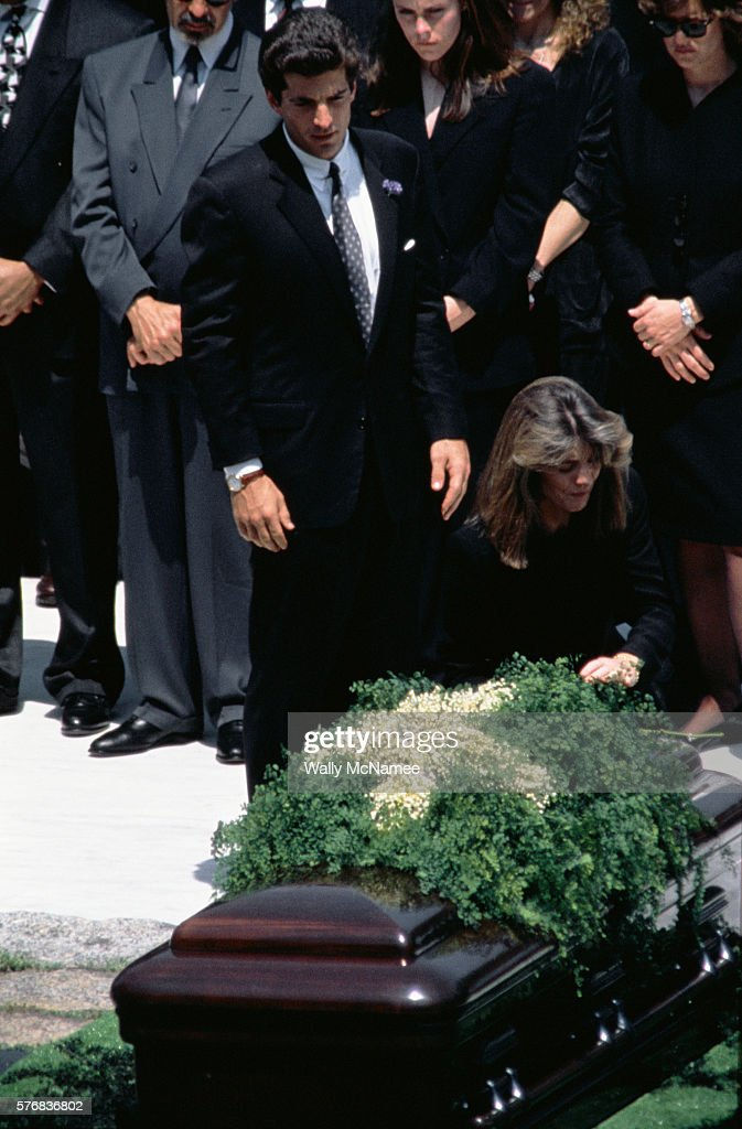 Jacqueline kennedy onassis funeral pictures getty images john f kennedy jr and caroline kennedy schlossberg during the funeral for their mother altavistaventures Images