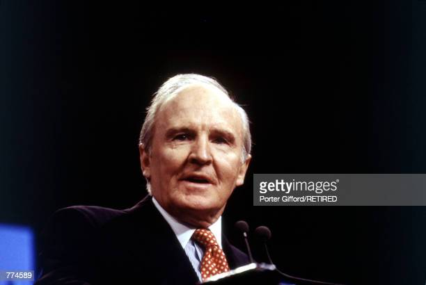 John F Welch Jr CEO of General Electric holds a press conference on a new joint venture with Microsoft in New York City December 14 1995