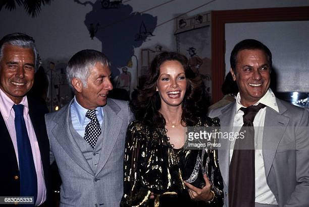 John Forysthe Aaron Spelling Jaclyn Smith and Tony Curtis circa 1978 in Los Angeles California