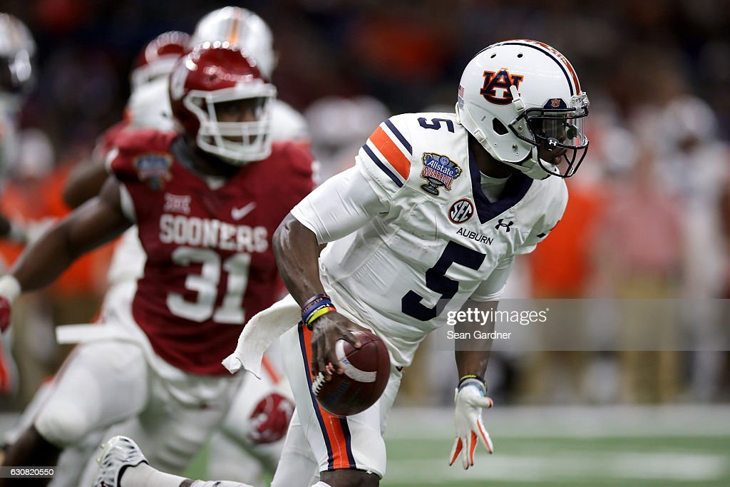John Franklin III #5 of the Auburn Tigers scrambles with the ball against the Oklahoma Sooners during the Allstate Sugar Bowl at the Mercedes-Benz Superdome on January 2, 2017 in New Orleans, Louisiana.