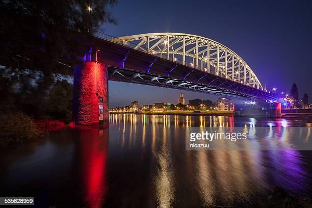 john frost bridge at night, holland - arnhem stockfoto's en -beelden