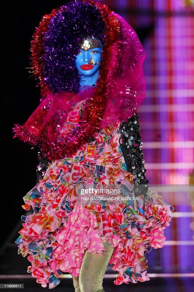 John Galliano fashion show for the Spring-Summer 2003 Ready-to-wear collections In Paris, France On October 06, 2002- : News Photo