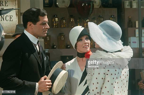 John Gavin Julie Andrews and Mary Tyler Moore in 1967 Universal Pictures' Thoroughly Modern Millie directed by George Roy Hill