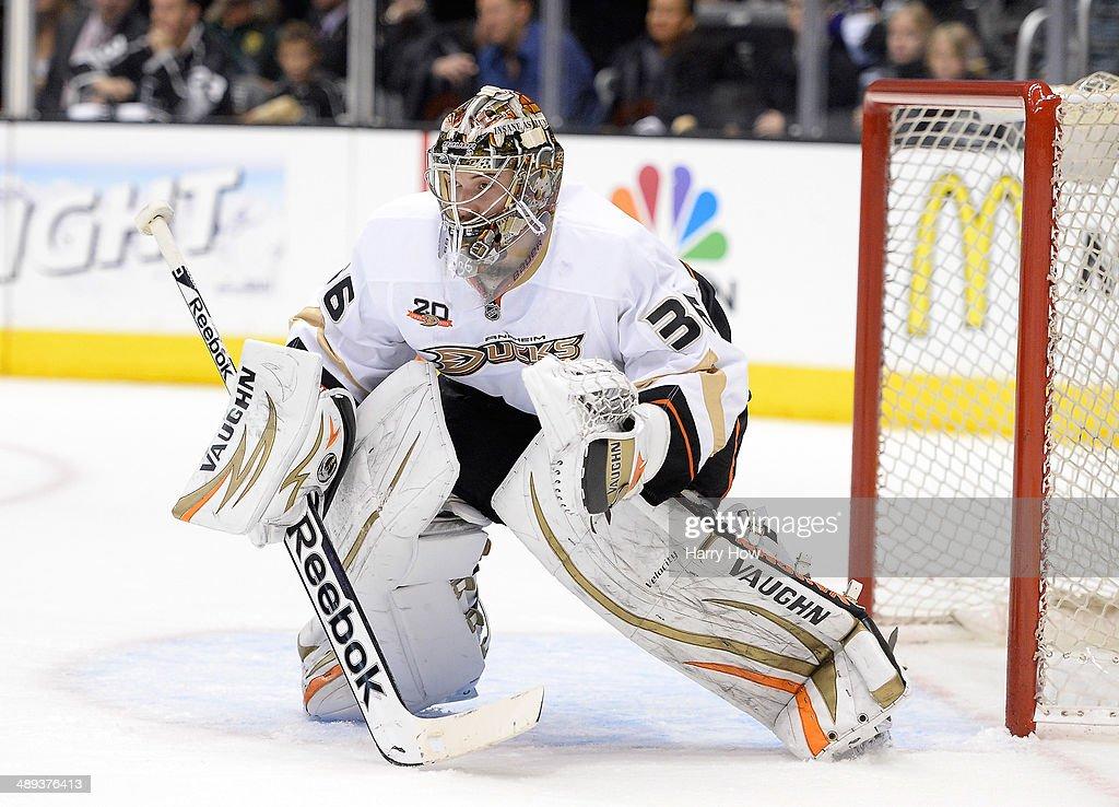 Anaheim Ducks v Los Angeles Kings - Game Four : News Photo