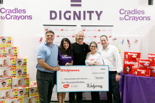 IL: Huggies, Walgreens And National Diaper Bank Network Donate 250,000 Diapers To Chicago Nonprofit With David Ross