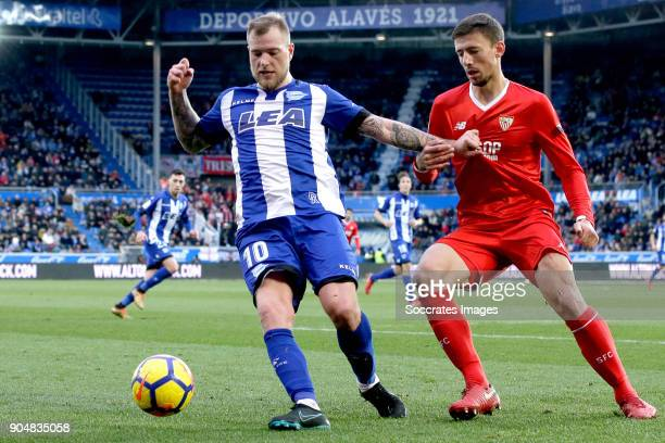 John Guidetti of Deportivo Alaves Gabriel Mercado of Sevilla FC during the La Liga Santander match between Deportivo Alaves v Sevilla at the Estadio...