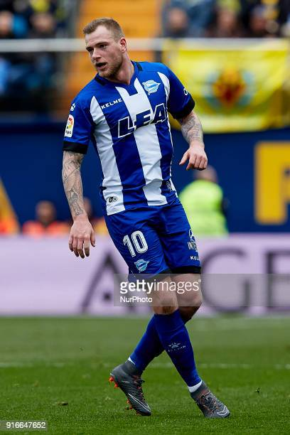 John Guidetti of Deportivo Alaves looks on during the La Liga match between Villarreal CF and Deportivo Alaves at Estadio de la Ceramica on February...