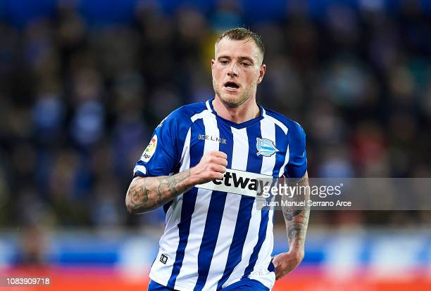 John Guidetti of Deportivo Alaves reacts during the La Liga match between Deportivo Alaves and Athletic Club at Estadio de Mendizorroza on December...