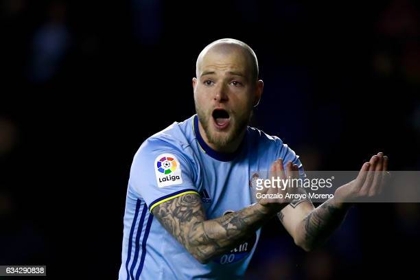 John Guidetti of RC Celta de Vigo protests during the Copa del Rey semifinal second leg match between Deportivo Alaves and RC Celta de Vigo at...