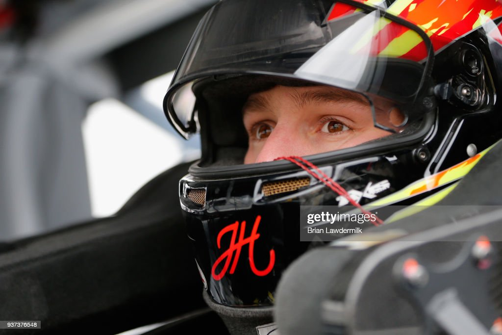 NASCAR Camping World Truck Series Alpha Energy Solutions 250 - Qualifying : News Photo