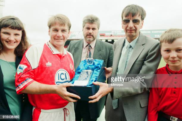 John Hendrie Middlesbrough Football Player 19901996 receves the ICI Player of the Year award from Keith Stockdale a Billingham works empployee at...