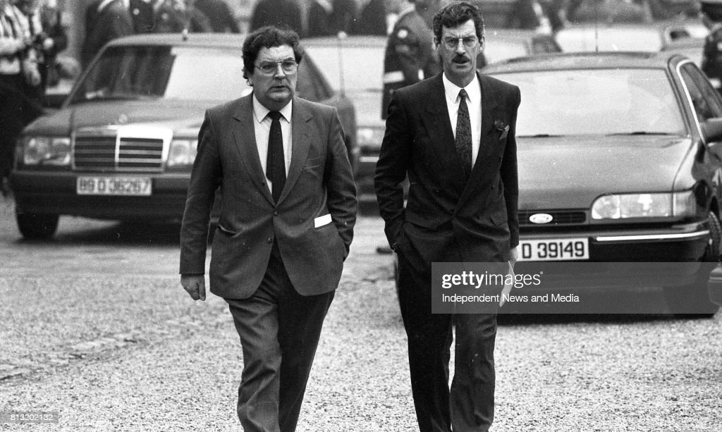 John Hume and Dick Spring arrivng at Dublin Castle for the Inauguration of the New President of Ireland Mary Robinson, (Part of the Independent Newspapers Ireland/NLI Collection).