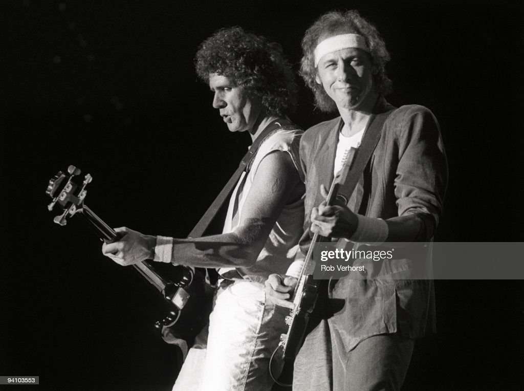 Dire Straits Perform Live In Rotterdam : News Photo