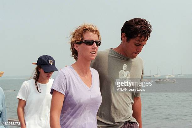 John John Kennedy His Wife Carolyn And Her Beautiful Sister Lauren Bessette Dead In Their Plane Crash Le clan Kennedy à Hyannis Port pendant les...