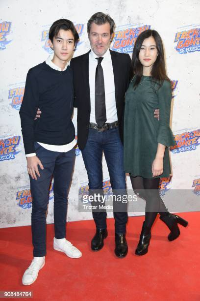 John Juergens his wife Hayah Juergens and his son John Dennis Juergens attend the 'Fack ju Goehte Se Mjusicael' Musical Premiere on January 21 2018...