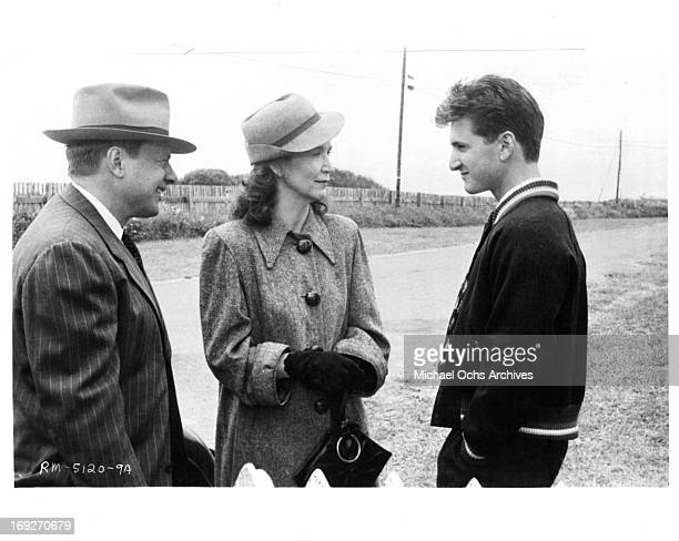 John Karlen and Rutanya Alda say goodbye to Sean Penn in a scene from the film 'Racing With The Moon' 1984