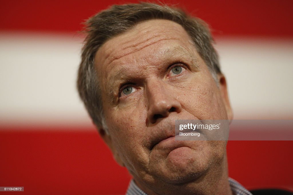 Presidential Candidate John Kasich Holds Campaign Rally At USS Yorktown : News Photo
