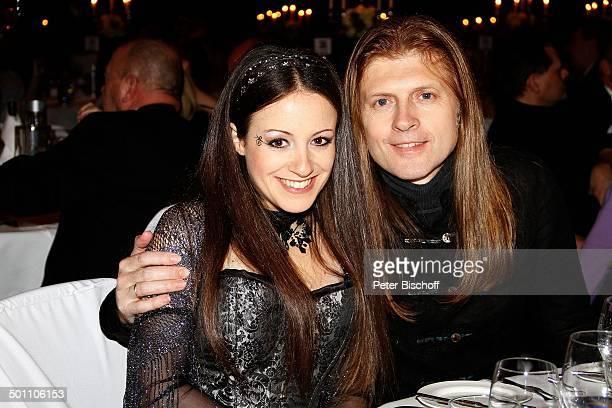 John Kelly Ehefrau Maite Itoiz 1 CroexGala Hotel Maritim Dsseldorf NordrheinWestfalen Deutschland Europa Benefiz Benefizgala Ehemann Snger Sngerin...