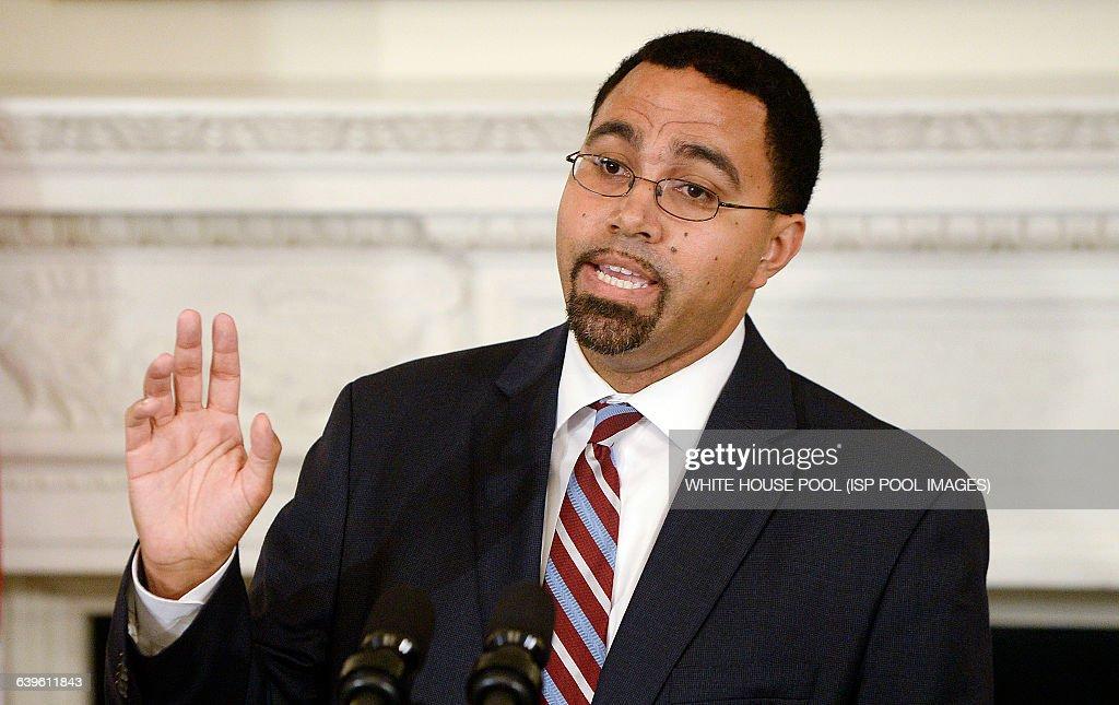 President Obama makes a press conference- DC : News Photo