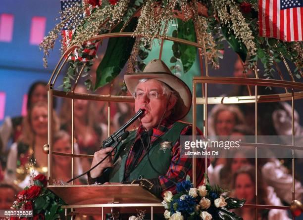 John Kornblum * Politiker Diplomat USA Botschafter in Deutschland als `Sheriff` mit Colt auf der Karnevalssitzung in Aachen wo ihm der Titel `Ritter...