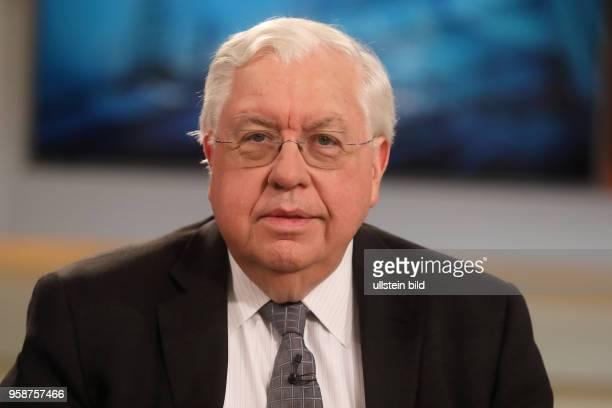 John Kornblum in der ARD-Talkshow ANNE WILL am in Berlin Thema der Sendung: Trump bekämpft Assad - Droht jetzt ein globaler Konflikt?