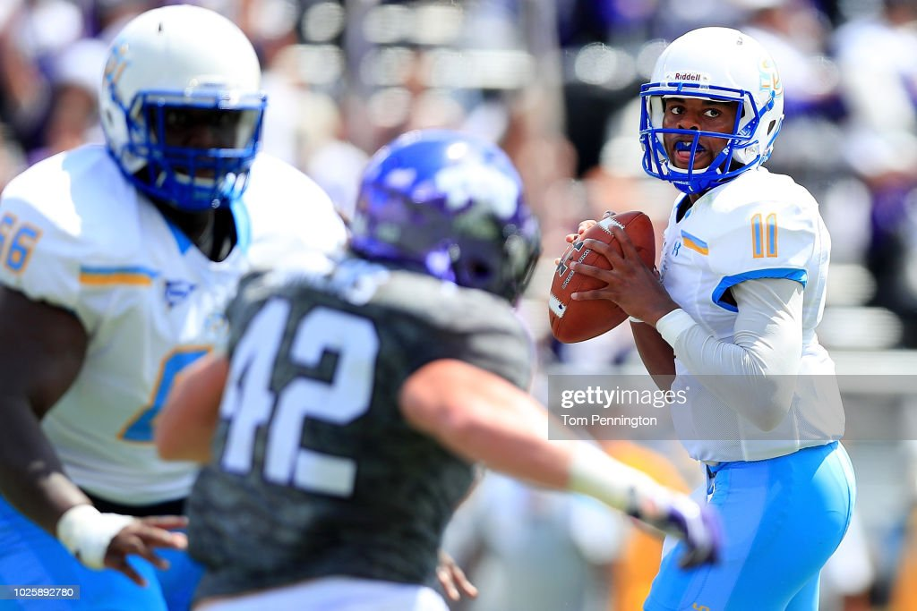 John Lampley #11 Of The Southern University Jaguars Looks For An Open  Receiver Against The