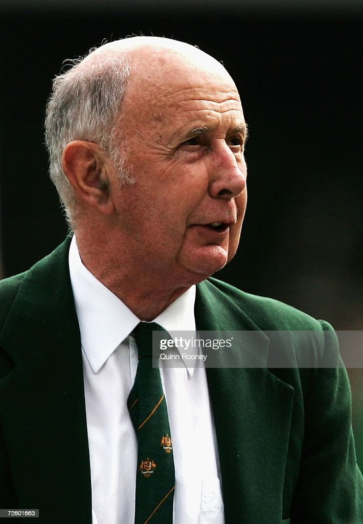 John Landy reads the Athletes Oath during the 50th anniversary of the 1956 Melbourne Olympic Games at the Melbourne Cricket Ground November 19, 2006 in Melbourne, Australia.