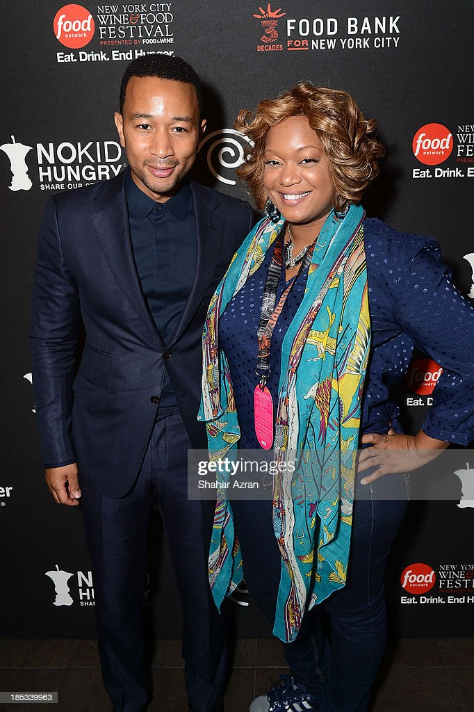 Chicken Coupe Hosted By Whoopi Goldberg With A Private Performance By John Legend : Nachrichtenfoto