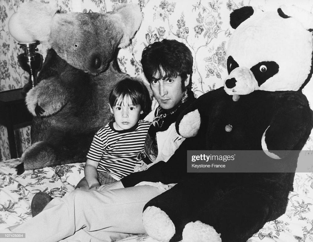 John Lennon And His Son Julian : News Photo