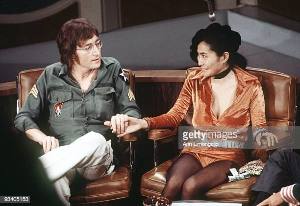 SHOW 9/24/71 John Lennon and Yoko Ono chatted with host Dick Cavett