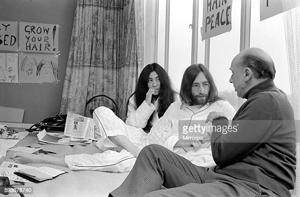 John Lennon and Yoko talking to Donald Zec about their seven day event at the Amsterdam Hilton Hotel March 1969 Z03078007