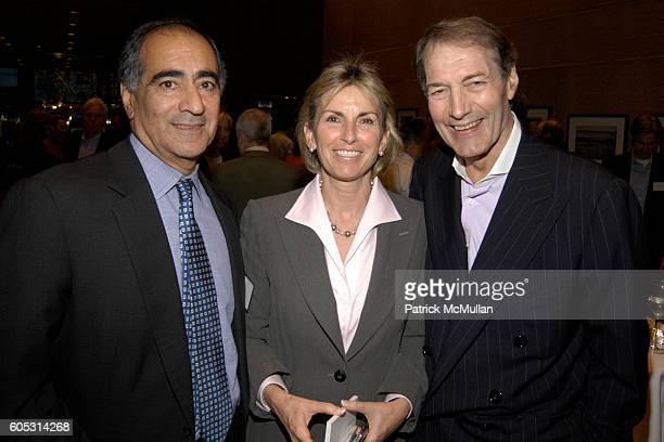 John Mack Christy Mack and Charlie Rose attend TISHMAN SPEYER Hosts JOHN MACK Vanishing Points Opening Reception at 520 Madison Avenue on May 15 2006...