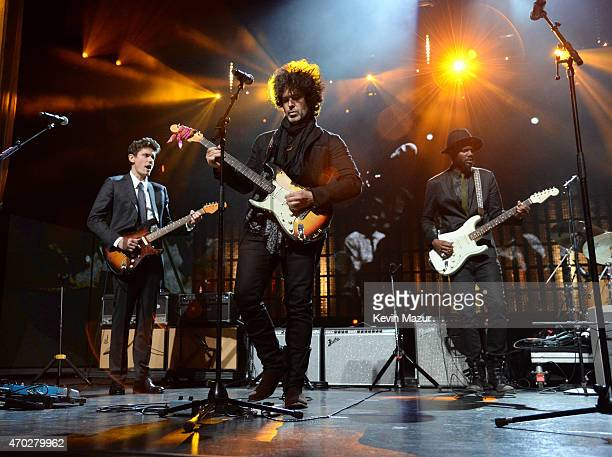 John Mayer Doyle Bramhall Gary Clark Jr and Jimmie Vaughan perform onstage during the 30th Annual Rock And Roll Hall Of Fame Induction Ceremony at...