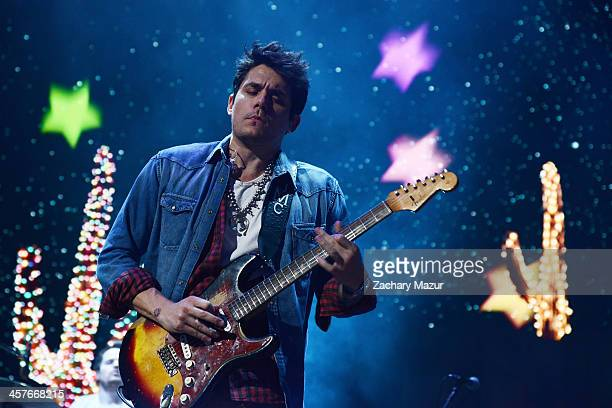 John Mayer performs at Barclays Center of Brooklyn on December 17 2013 in New York City