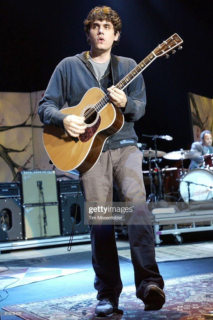 John Mayer in Concert - San Francisco : News Photo