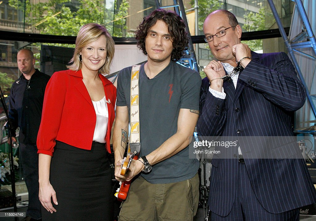"John Mayer Performs on ""Sunrise"" - Sydney -  November 3, 2006"