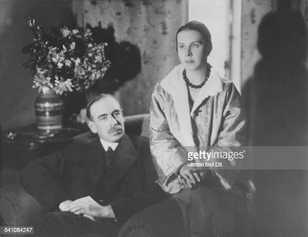John Maynard Keynes*05.06.1883-+Economist, politician, mathematician, Great Britainwith his wife Lydia Lopokova, a Russian ballerina