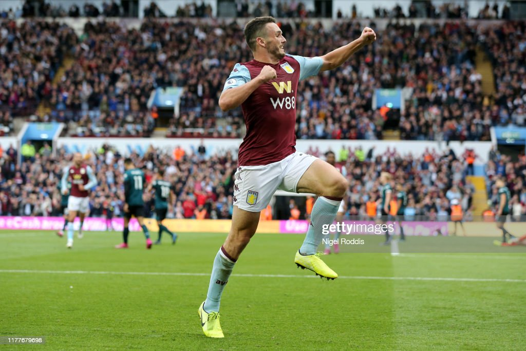 Aston Villa v Burnley FC - Premier League : Foto jornalística