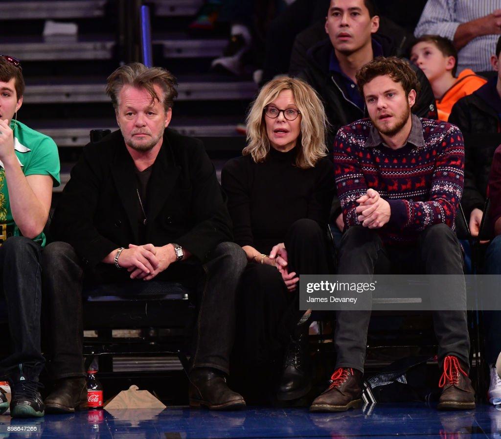 Celebrities Attend The New York Knicks Vs Philadelphia 76ers Game : News Photo