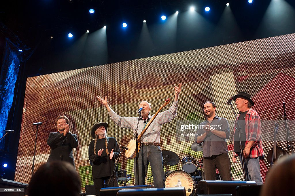 John Mellencamp, Willie Nelson, Pete Seeger, Dave Matthews, and Neil Young perform at Farm Aid at Saratoga Performing Arts Center, Saratoga Springs, New York, September 21, 2013.