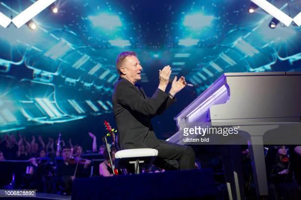 John MIles live bei the Night Of The Proms - das Musik-Event mit Il Novecento unter der Leitung der neuen Dirigentin Alexandra Arrieche u.v.a. In...