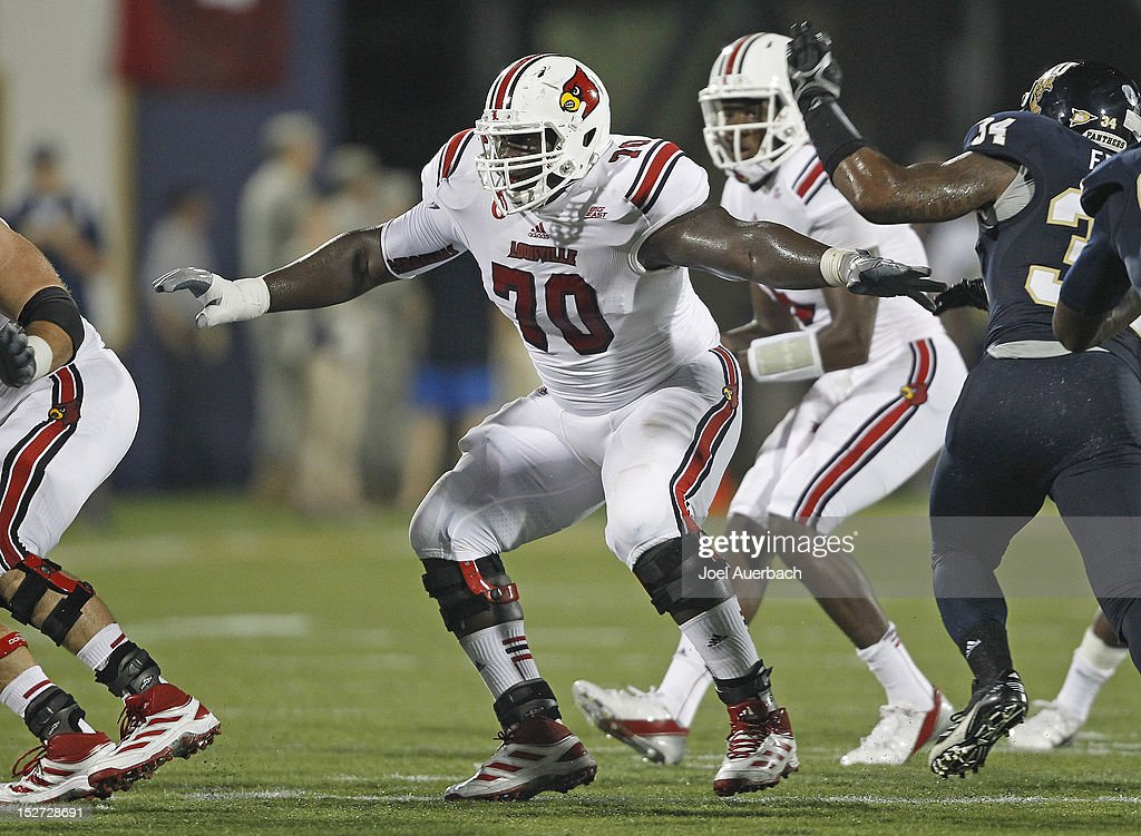 Louisville v Florida International : News Photo