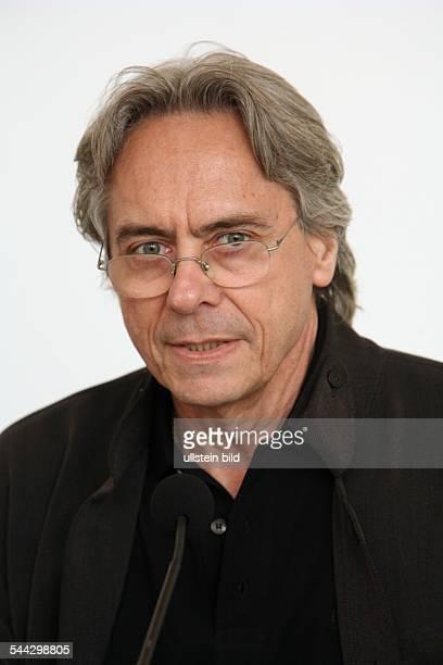 John Neumeier Choreograph Leiter des Hamburger Balletts Portraet
