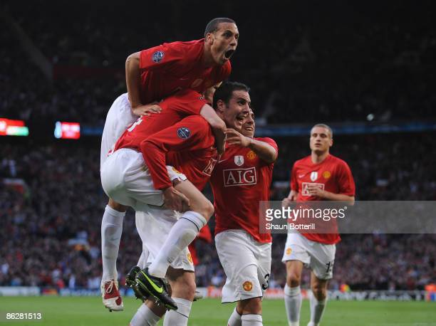 John O' Shea of Manchester United celebrates with his team mates after scoring the opening goal during the UEFA Champions League Semi Final First Leg...
