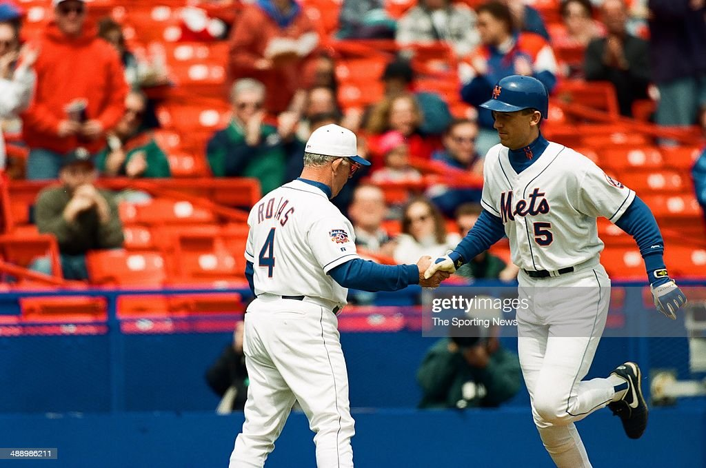 Chicago Cubs vs. New York Mets : News Photo