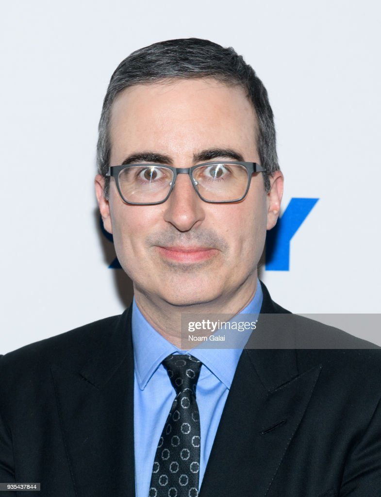 92nd Street Y Presents: Nell Scovell In Conversation With John Oliver : News Photo